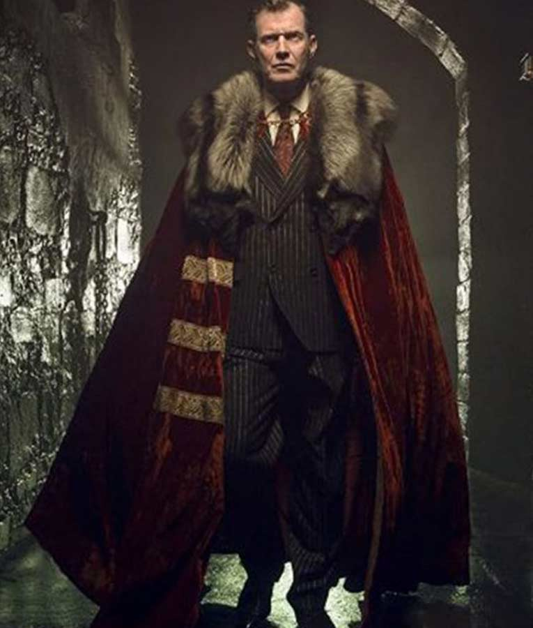 Pennyworth Jason Flemyng Velvet Fur Lord Harwood Cloak